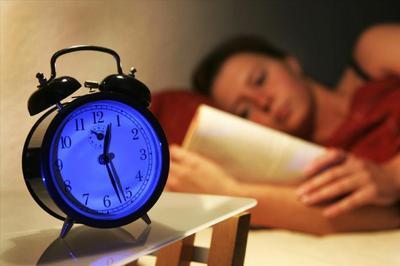 不爱社交  是你睡眠时间不够吧